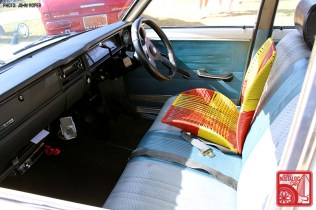JR1380_Nissan Bluebird 510 bench seat